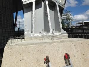 Duivenwering op pilaren