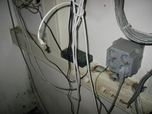 buiksmeer door muizen in een kantoor in hilversum