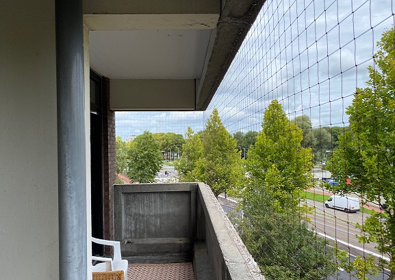 vogelwering op het balkon